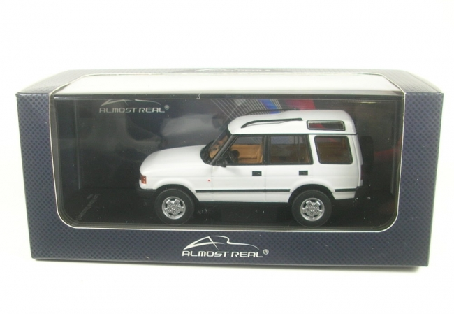 Land Rover Discovery I (white) 1994  1:43 Almost Real