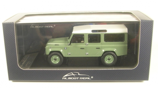 Land Rover Defender 110 Heritage Edition (green/white) 2015  1:43 Almost Real