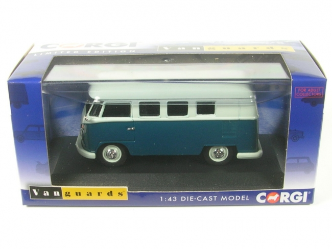 VW Type 2 Camper (sea blue/cumulus white) RHD